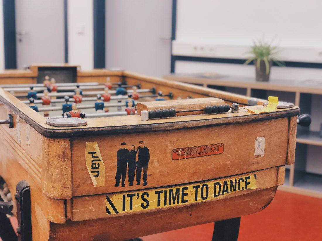 Fussballtisch Spiel b+office Coworking Space Berlin Kreuzberg